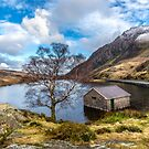 Ogwen Lake by Adrian Evans