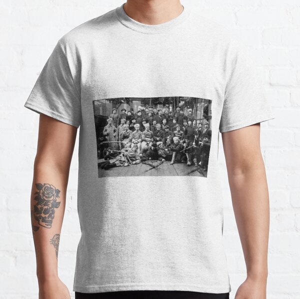 Political Poster, Отряд Красной гвардии перед отправкой на дутовский фронт. Урал. 13 марта 1918. Classic T-Shirt