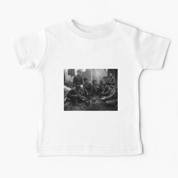 Russian Civil War: Обед красноармейцев у костра Южный фронт Дата съемки: 1919 год Baby T-Shirt