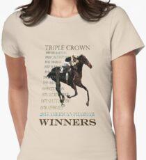 Dreifacher Crown Winners 2015 amerikanischer Pharoah Tailliertes T-Shirt für Frauen