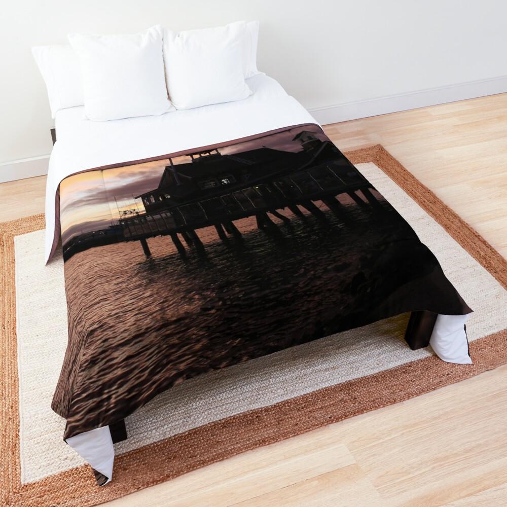 ur,comforter_top_king,square,1000x1000