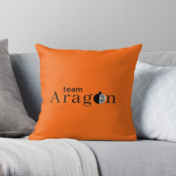 Six Team Aragon, Tudor Queen Catherine of Aragon slogan Throw Pillow