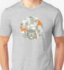 Fox in winter forest Unisex T-Shirt