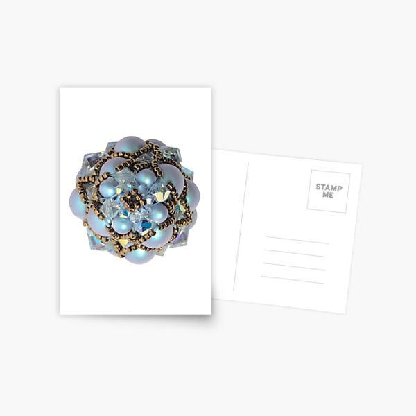 Kieferzäpfchen aus iridescent light blue Pearl & crystal AB Swarovski Kristallglas Postkarte