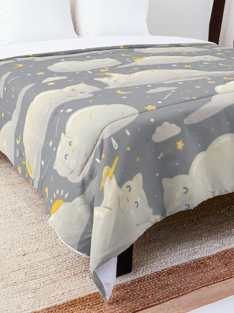 Alternate view of Kitty clouds  Comforter