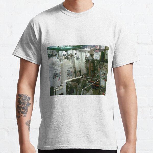 HMAS Tobruk engine room Classic T-Shirt