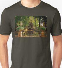 Medici Fountain - Jardin du Luxembourg - Paris Unisex T-Shirt