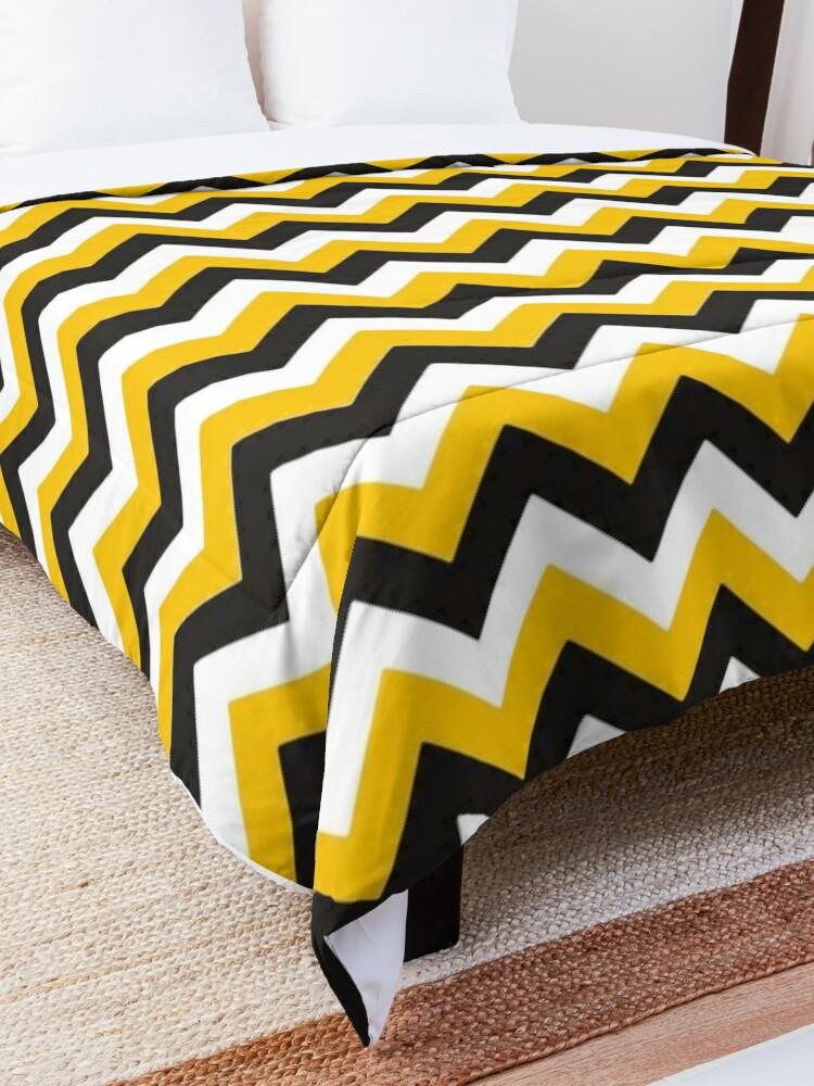 Alternate view of Yellow Black and White Chevron Zigzag Pattern Comforter
