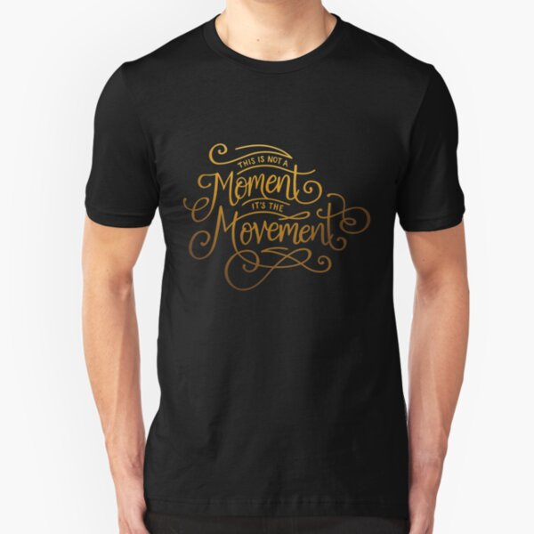 Es ist die Bewegung Slim Fit T-Shirt