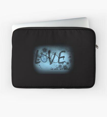 Liebe ist alles was wir brauchen Laptoptasche