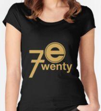 Camiseta entallada de cuello ancho Entretenimiento 720