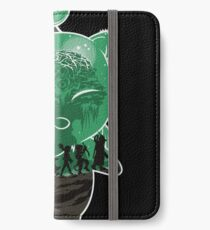 THE RETURN OF THE FANTASY iPhone Flip-Case/Hülle/Klebefolie