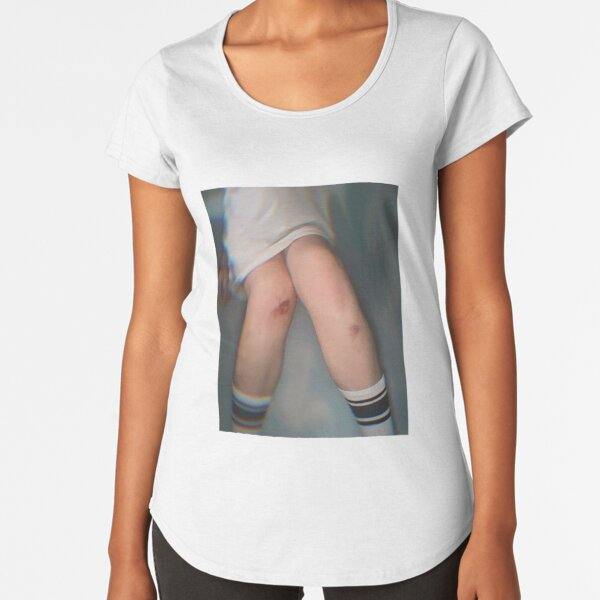 kneed something? Premium Scoop T-Shirt