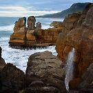 Punakaiki Pancake Rocks by Linda Cutche