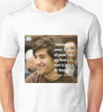 Information quote by Aaron Swartz Unisex T-Shirt