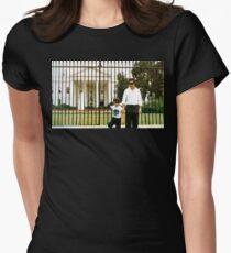 Weißes Haus Pablo Tailliertes T-Shirt für Frauen