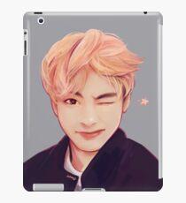 Blond Taehyung  iPad Case/Skin