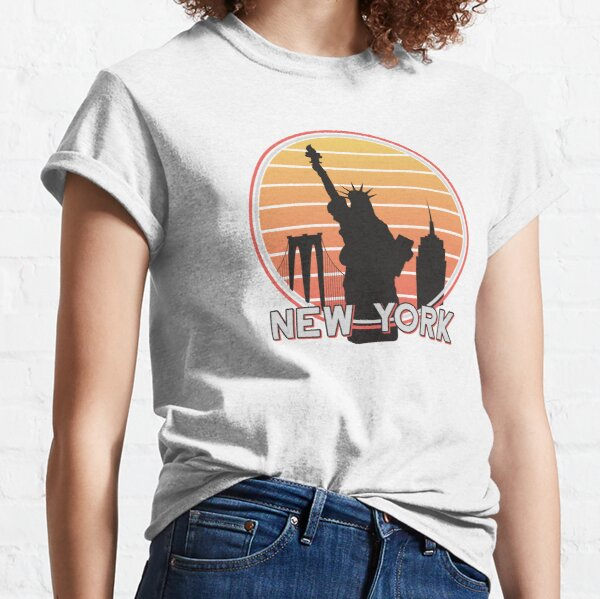 Retro New York, vintage nyc, NYC brooklyn bridge, statue of liberty, state of NY, The Big Apple 1970s Classic T-Shirt