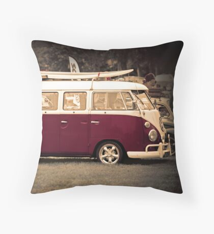 Camper van Surfs up Throw Pillow
