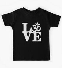 Om love Kids Tee