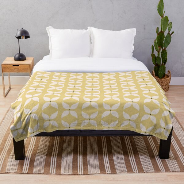 Cottagecore Yellow and White Geometric Flower Pattern Throw Blanket
