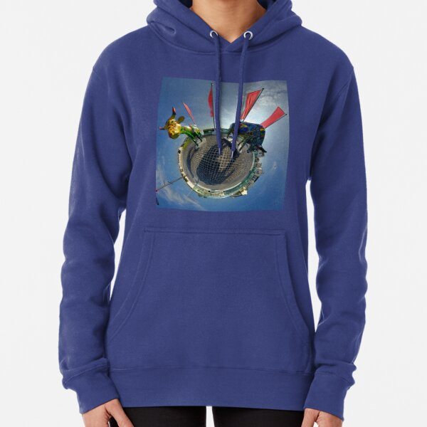 Two Cows on Parade, lower - Ebrington Square, Derry Pullover Hoodie