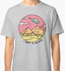 Pyramid X-filies Egyptian alien ufo desert sphynx 90s retro 80s print Classic T-Shirt