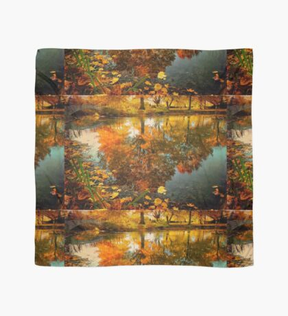 Reflection of the fall Scarf