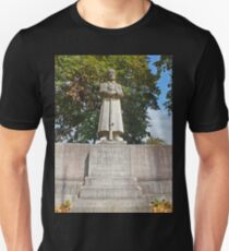Our fallen German Soldiers in Memory. Unsern Gefallenen Soldaten. Unisex T-Shirt