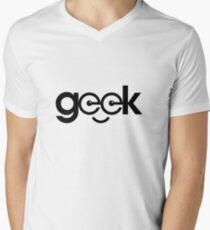 Geek Men's V-Neck T-Shirt