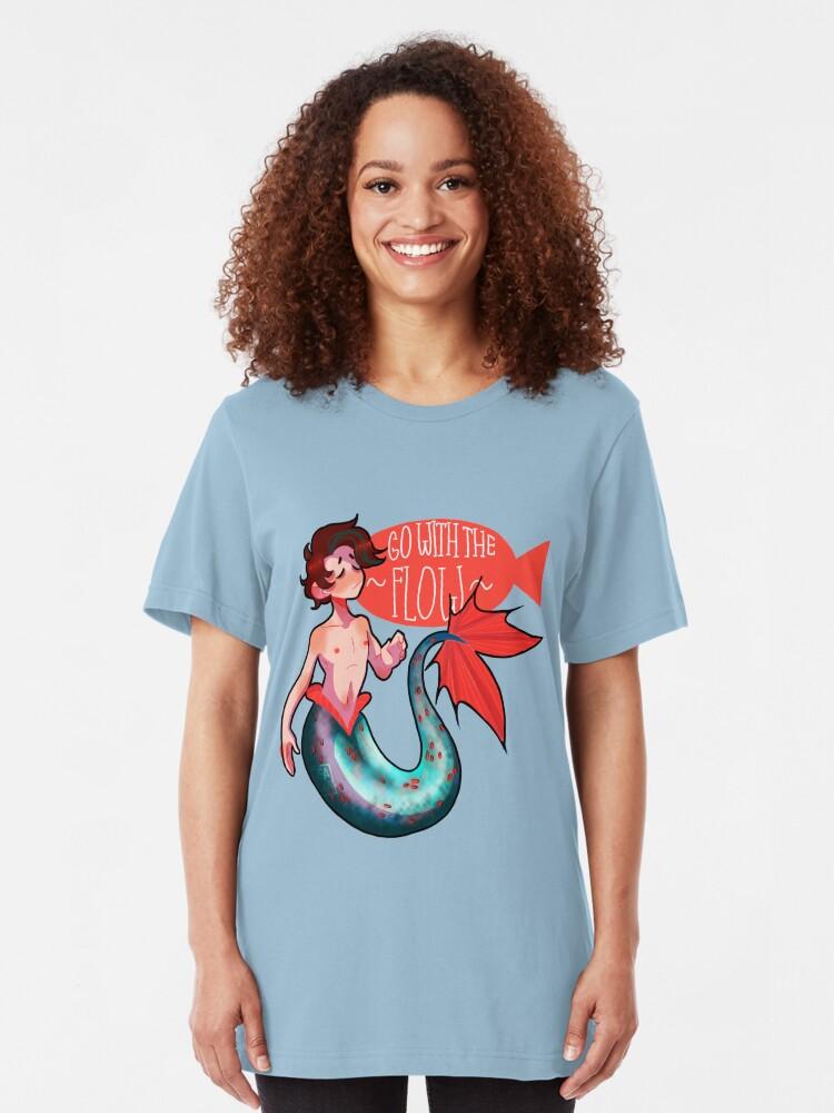 Vista alternativa de Camiseta ajustada Ir con el flujo Merman