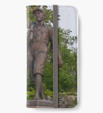 Tom Sawyer and Huckleberry Finn, Hannibal, Missouri, USA iPhone Wallet/Case/Skin