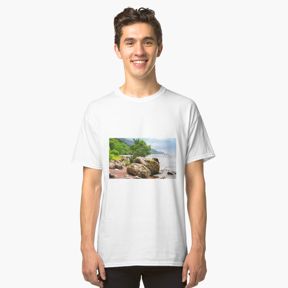 On the shores of Loch Ness - AGAIN Classic T-Shirt Front