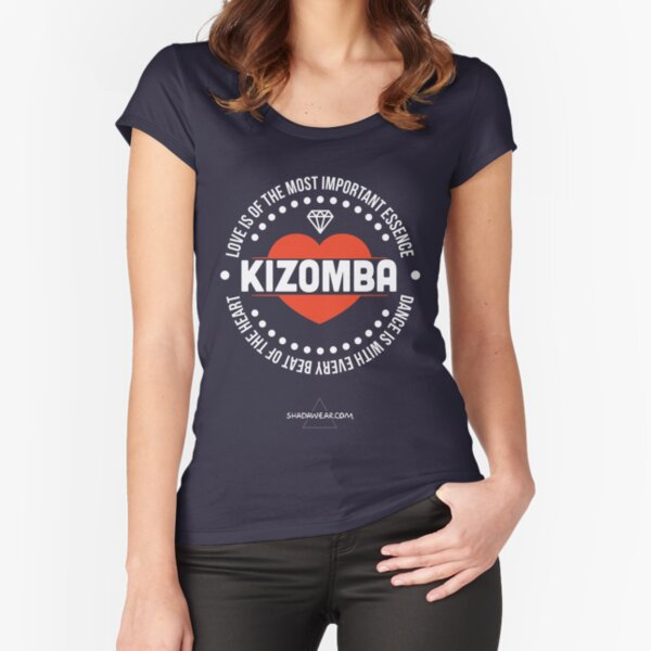 Amor Kizomba Camiseta entallada de cuello ancho