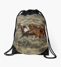 Running Together Drawstring Bag