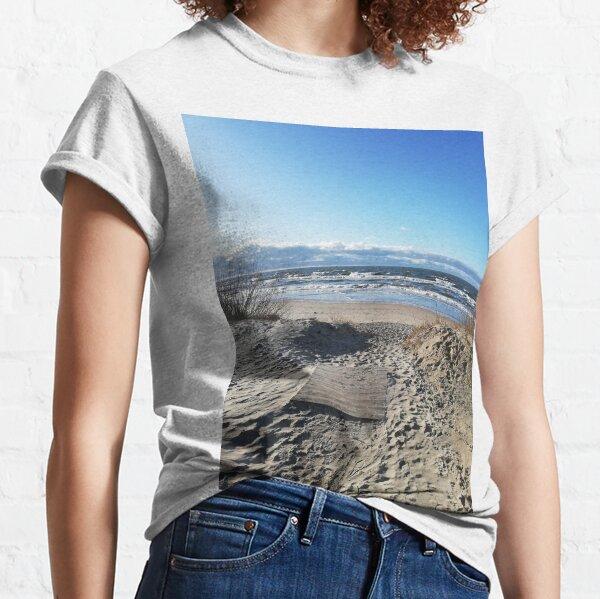 OCEAN WAVES Classic T-Shirt
