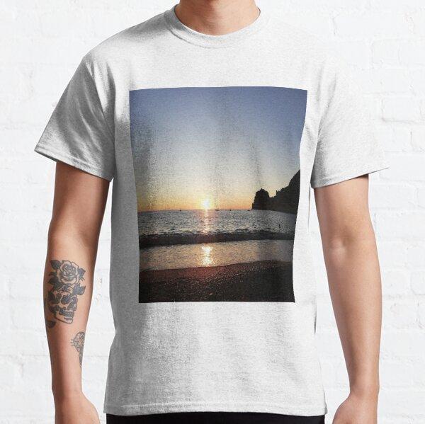 Sunset horizon Classic T-Shirt