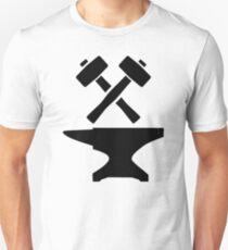 Crossed hammer anvil T-Shirt