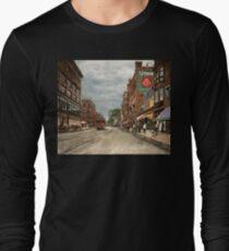 City - Lowell MA - A dam good company 1908 Long Sleeve T-Shirt