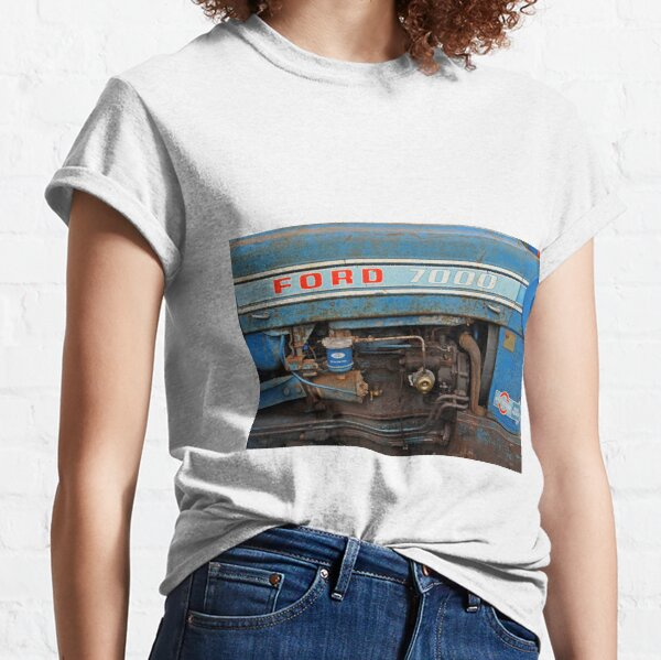 Vintage Ford 7000 tractor side view Classic T-Shirt