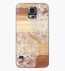 White Doodles on Blonde Wood Case/Skin for Samsung Galaxy