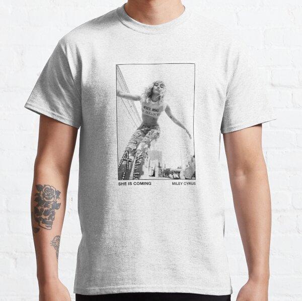 Ella viene Miley Camiseta clásica