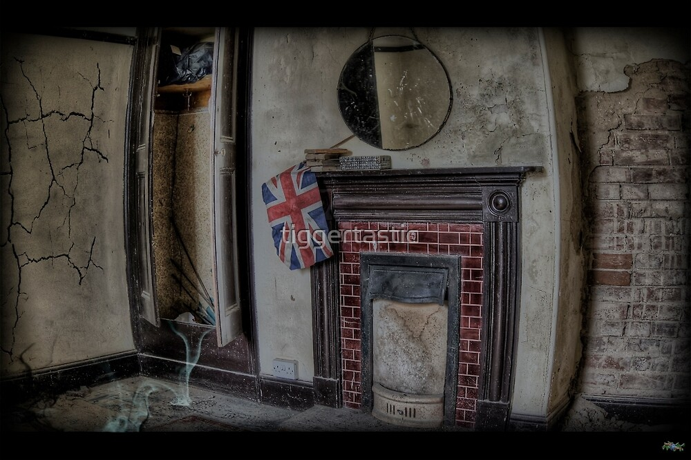 Derelict  Fireplace. by tiggertastic