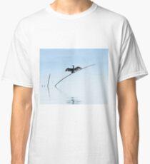 Cormorant drying its wings, SanFeliciano, Lago Trasimeno, Umbria, Italy Classic T-Shirt