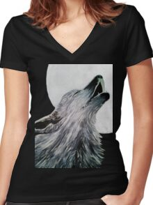 Howler and the Moon Women's Fitted V-Neck T-Shirt