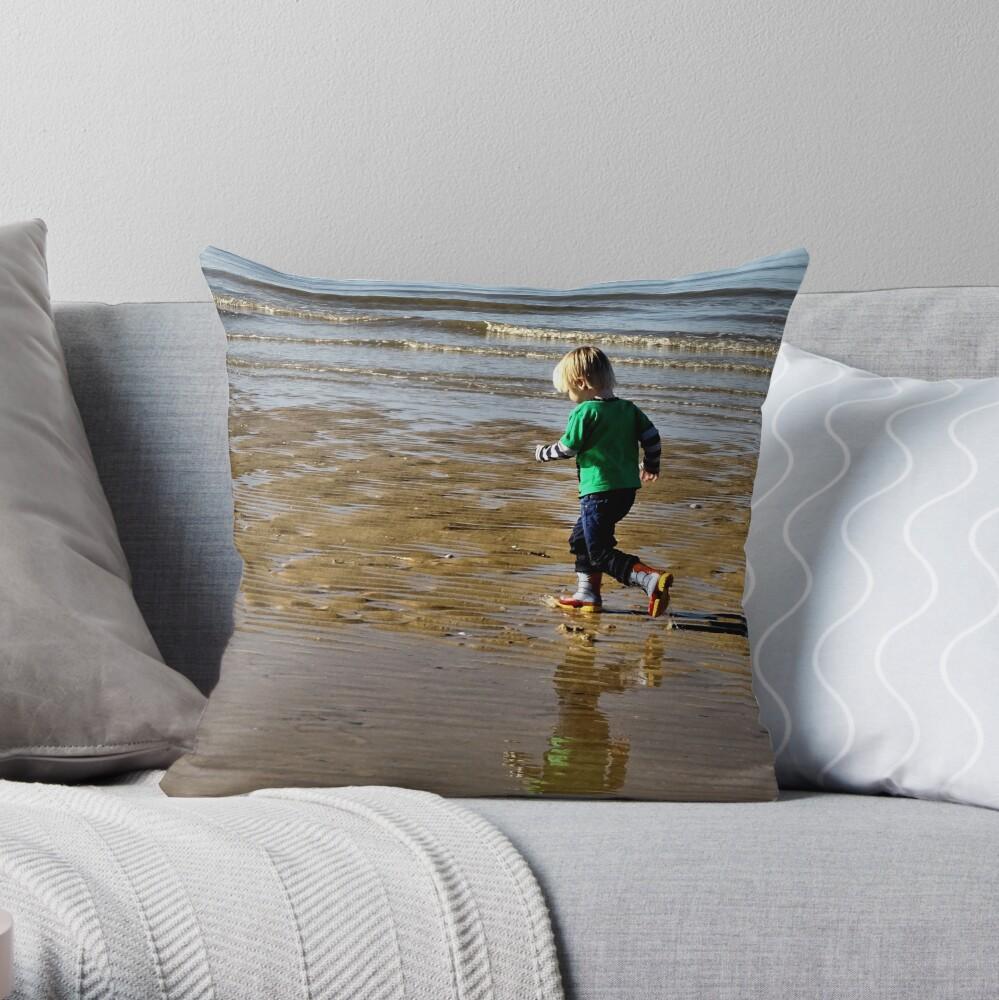 Shore run Throw Pillow