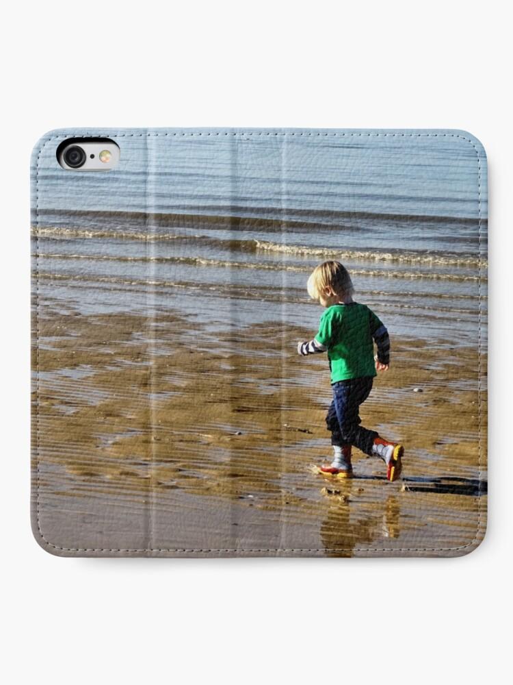 Alternate view of Shore run iPhone Wallet