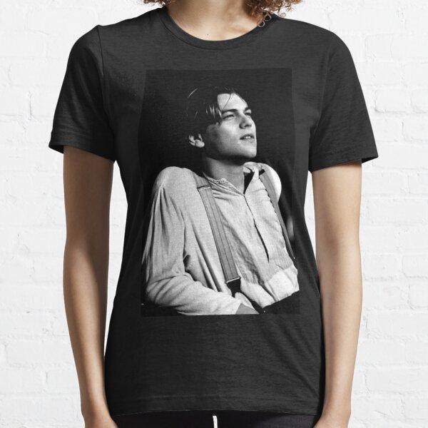 leonardo dicaprio Essential T-Shirt