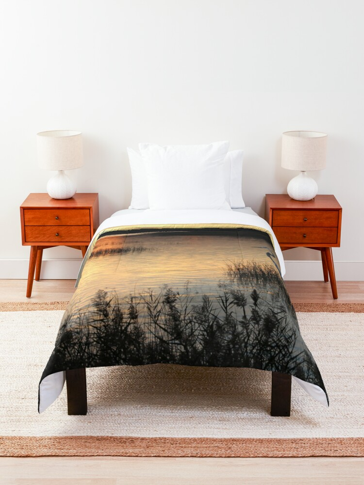 Alternate view of Enjoying the end of the day Comforter