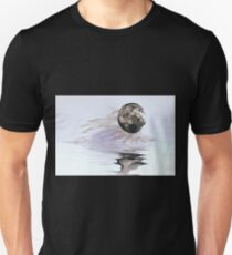 thhe fullest moon inverted T-Shirt